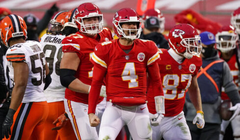Chiefs' Chad Henne goes from backup QB to playoff stage