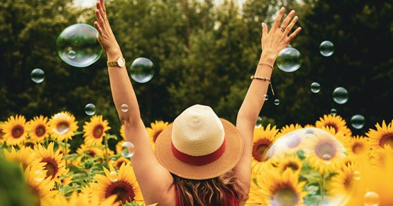 6 fabulous ways to surround yourself with positivity