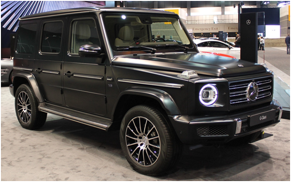 Top 8 Luxury Cars You Can Drive in UAE