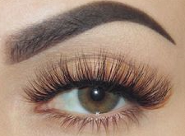 How to choose the right eyelashes for your eyes?